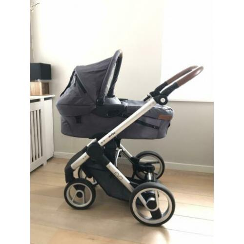 Mutsy Evo Urban Nomad Dark Grey kinderwagen
